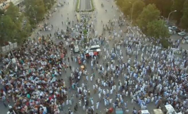 Hayat pahalılığı Pakistanlıları sokağa döktü