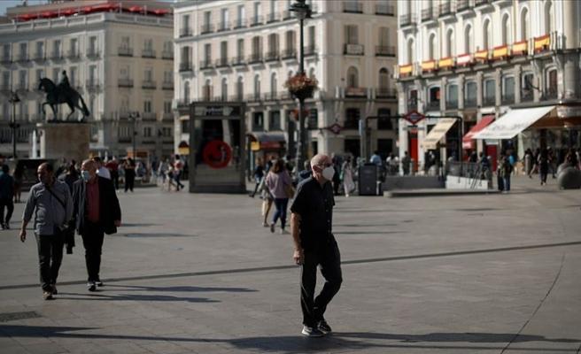 İspanya'da son 24 saatte vaka sayısı 18 bin 418 arttı