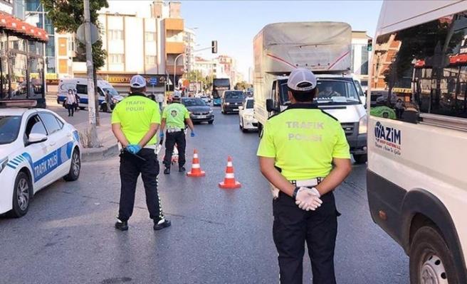İstanbul'da trafik ekipleri koronavirüs denetimi yaptı