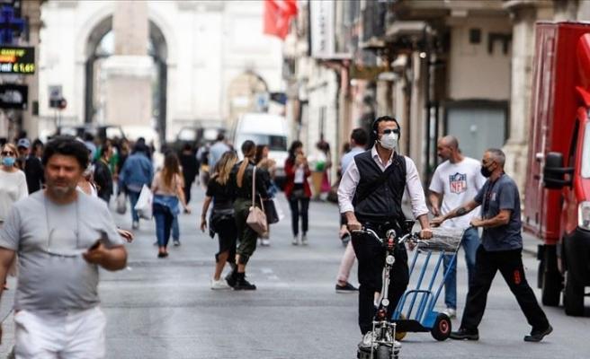 İtalya'da Kovid-19 salgınında günlük vaka sayısı 20 bini geçti