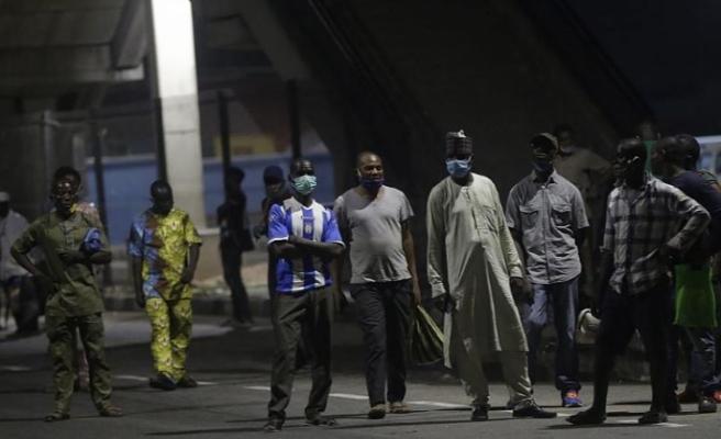 Nijerya'daki protestolar nedeniyle 4 eyalette daha sokağa çıkma yasağı ilan edildi