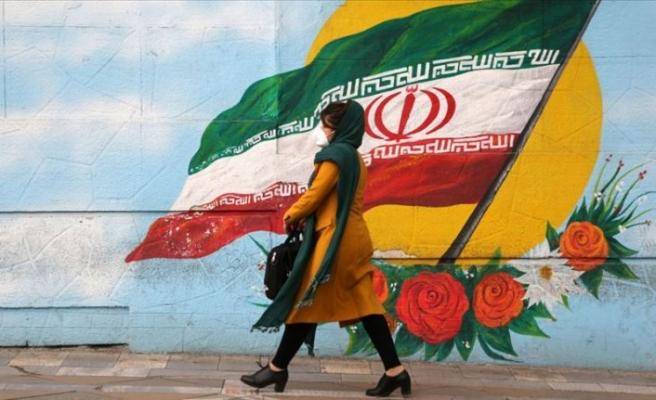 Ruhani 43 şehirde sıkı kısıtlamalar getirilmesi talimatı verdi