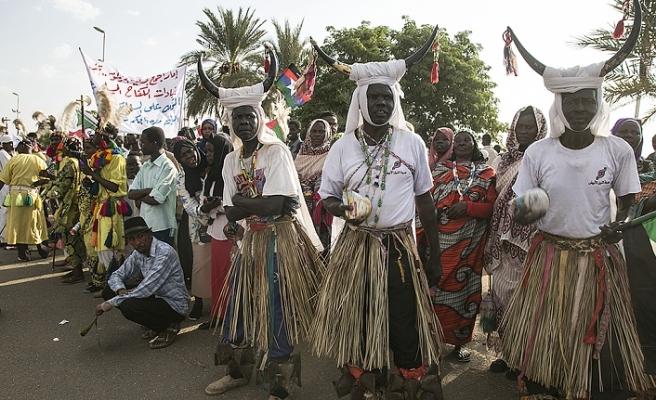 Sudan nihai barışı kutladı