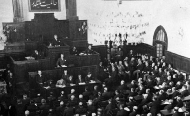 Tarihte bugün (29 Ekim): Cumhuriyet ilan edildi