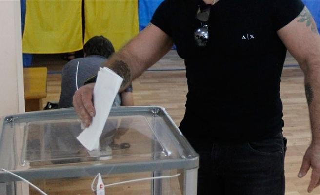 Ukraynalılar yerel seçimlerde oy kullandı