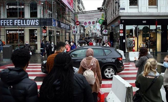 Belçika'da yeni koronavirüs önlemleri! Mağazalar kapatılıyor