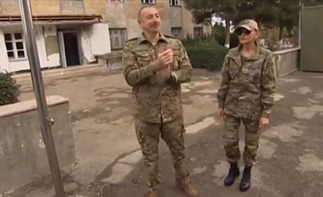 Azerbaycan Cumhurbaşkanı Aliyev kamuflajı giydi Fuzuli ve Cebrail'e gitti!