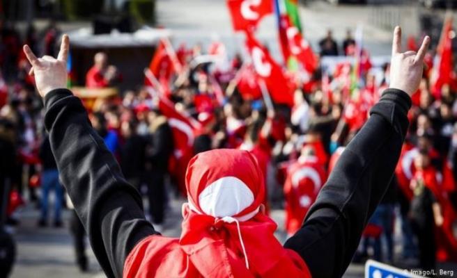 Almanya'da ülkücü dernekler yasaklanıyor