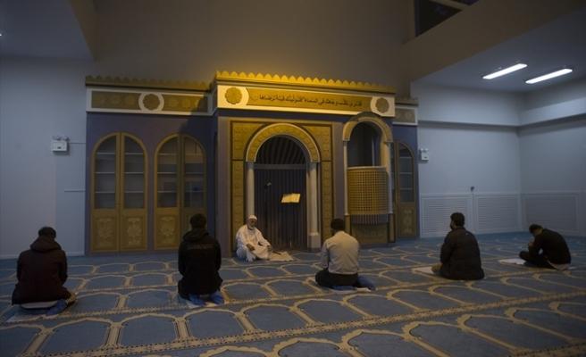 Atina'nın ilk camisi 14 yıllık gecikmenin ardından ibadete açıldı