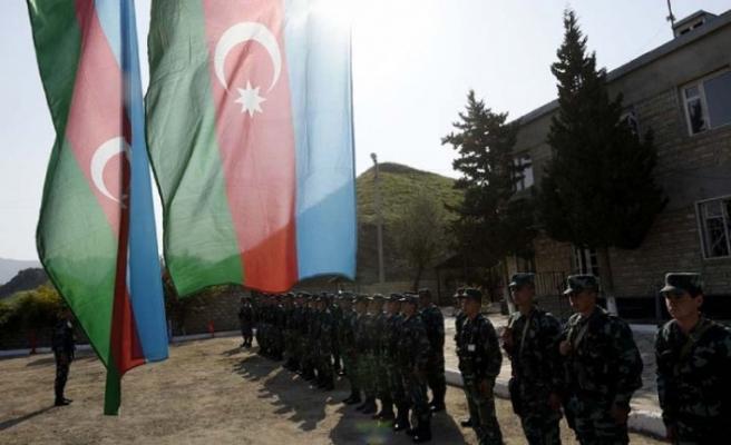 Azerbaycan, İran sınırına karakollar kurdu