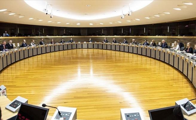 Brexit müzakerelerine Kovid-19 arası verildi
