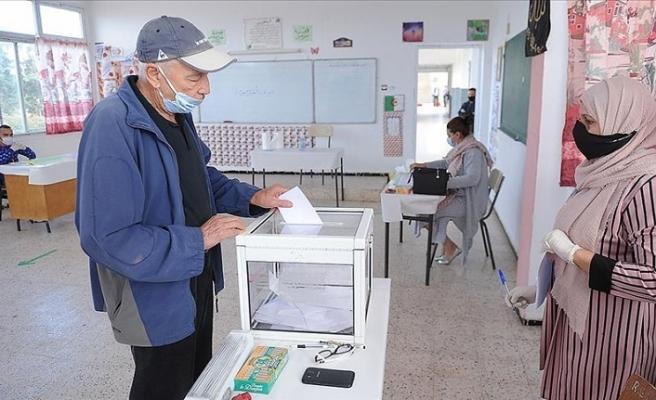 Cezayir'de anayasa değişikliği yüzde 66,8 'evet' oyuyla kabul edildi