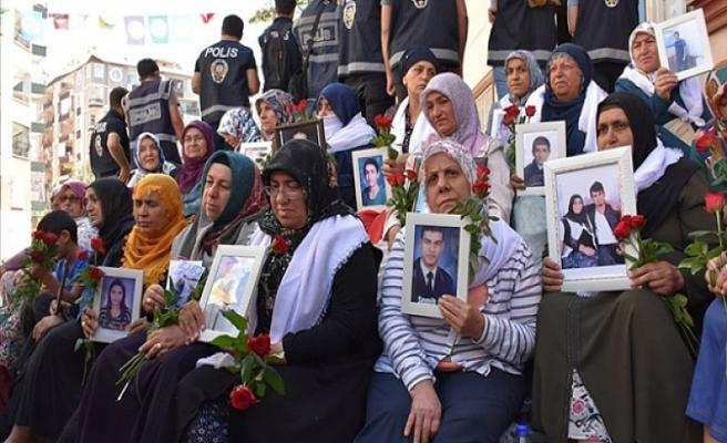 Diyarbakır'daki evlat nöbeti kararlılıkla devam ediyor