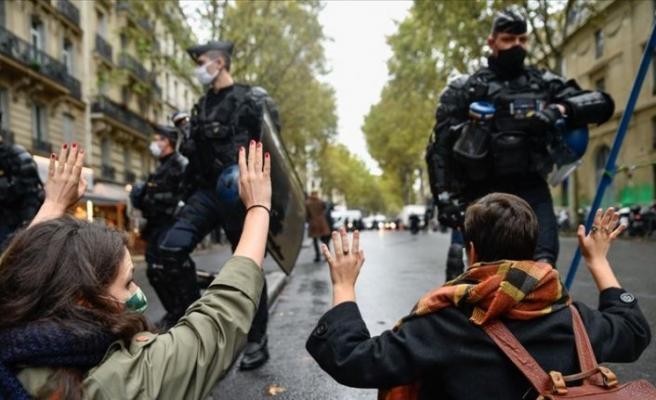 Fransa, tepkiler üzerine geri adım attı