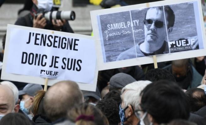 Fransızca öğretmenini kim öldürdü?