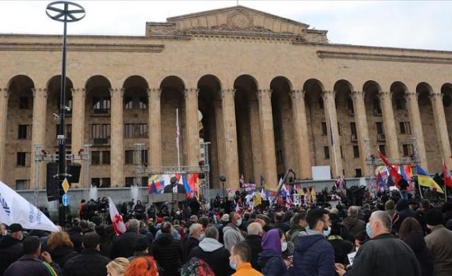 Gürcistan'da erken seçim isteyen muhalefetin gösterileri devam ediyor