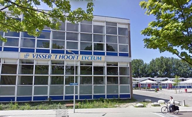 Hollanda'da bir okul İslam'ı şiddet dini olarak gösteren ödevden pişman
