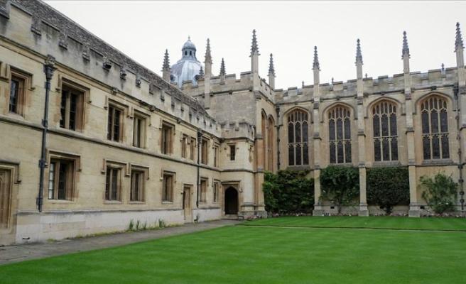 İngiltere'de üniversitede azınlık gruplara ayrımcılık!