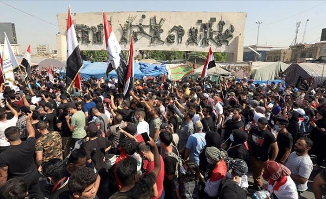 Irak'ta memurlar greve gitti