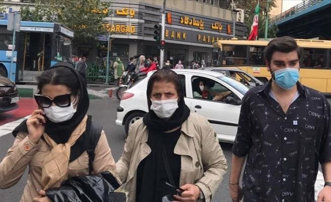 İran'da son 24 saatte 440 kişi Kovid-19'dan hayatını kaybetti