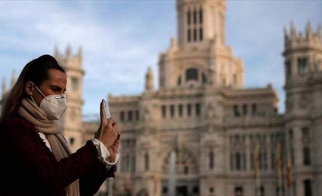 İspanya'da Kovid-19 son 24 saatte 351 kişi öldü