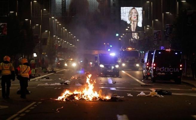 İspanya'daki Kovid-19 önlemleri karşıtı gösterilerde 47 kişi gözaltına alındı