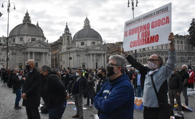 İtalya'da hizmet sektörü temsilcileri faaliyetlerinin kısıtlanmasını protesto etti