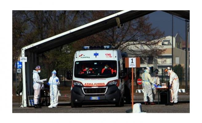 İtalya'da Kovid-19 salgınında ikinci dalga sağlık sistemini tehdit ediyor!