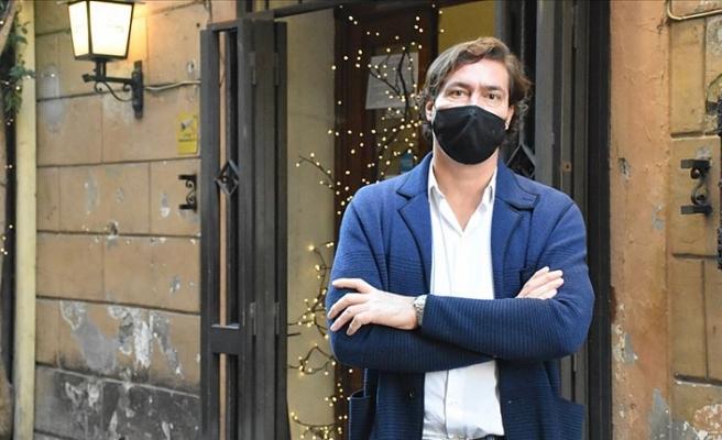 İtalya'da restoran sahipleri Kovid-19 nedeniyle getirilen kısıtlayıcı tedbirlere tepkili