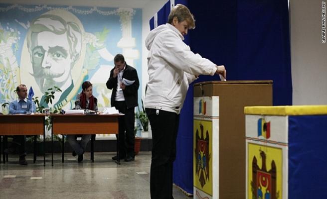 Moldova'da halk cumhurbaşkanını seçmek için sandık başında