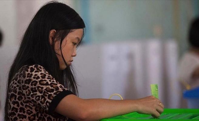 Myanmar'da seçimler için halk sandık başına gitti