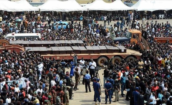 Nijerya'da facia! Kamyon pazara girdi: 20 ölü