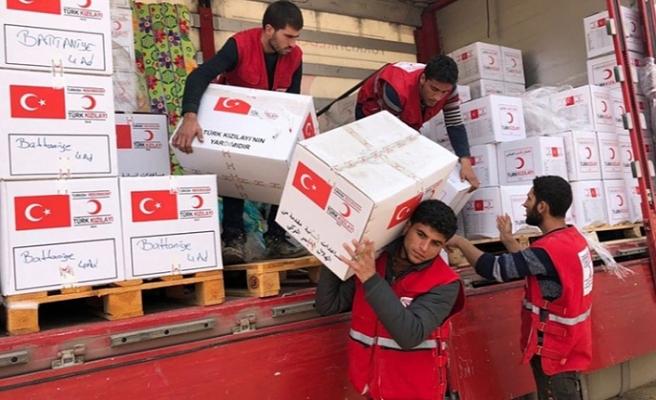 Türk Kızılay dünyaya iyilik dağıtıyor