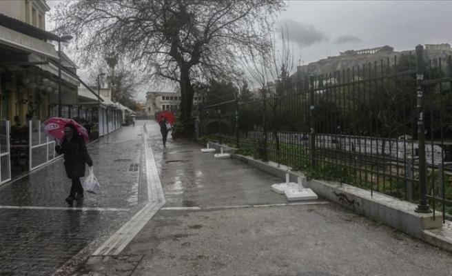 Yunanistan ikinci kez karantina altına alındı