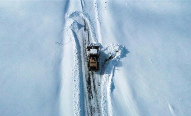 Doğu Karadeniz'deki 112 köy yolu ulaşıma kapandı