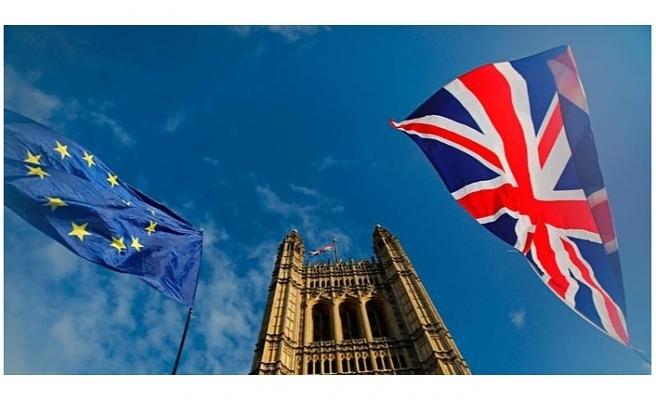 AB ve İngiltere Brexit sonrası ticari ilişkiler konusunda anlaştı