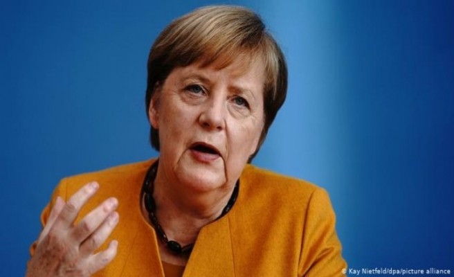 Almanya Başbakanı Türk profesörlere teşekkür etti