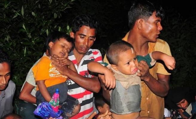 Arakanlı Müslümanlar tartışmalı adaya yerleştiriliyor