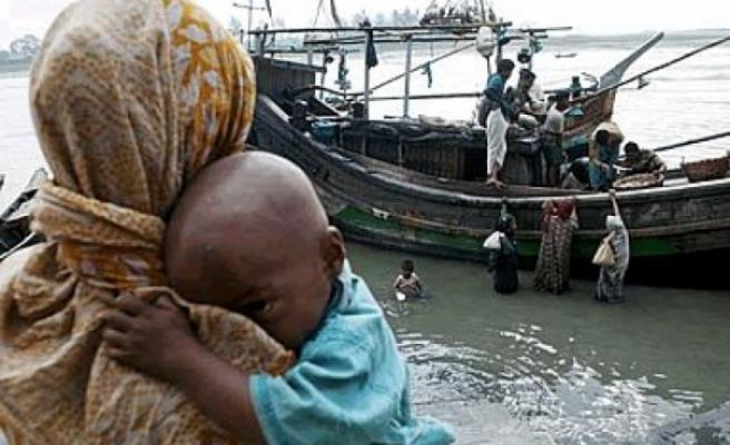 Arakanlı Müslümanları taşıyan teknede dehşet!