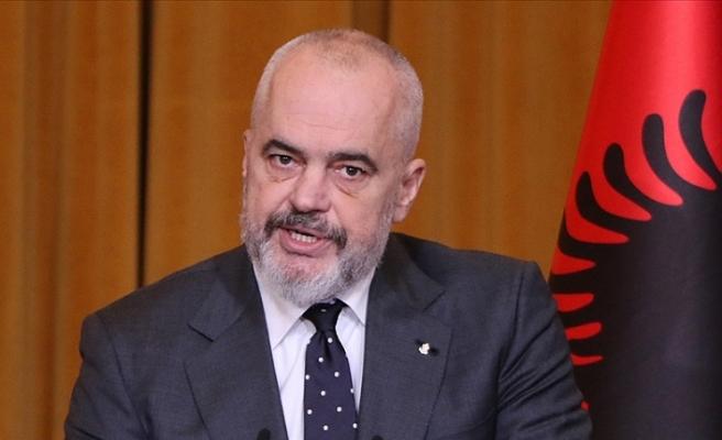Arnavutluk Başbakanından Türkiye'nin  koronavirüs mücadelesine övgü