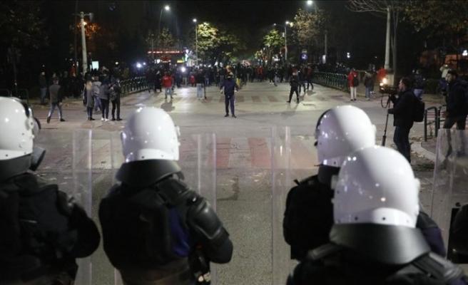 Arnavutluk'taki olaylarda yaralanan polis Türkiye'ye gönderildi