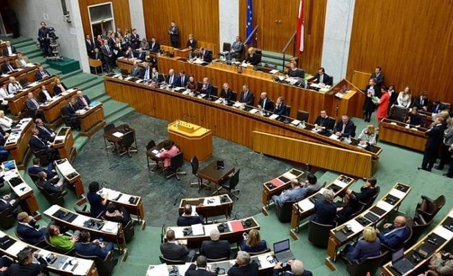 Avusturya torba yasadan 'Siyasal İslam' ifadesini çıkardı