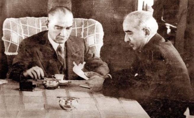 CHP, Mustafa Kemal'i 'Ebedi Şef', İnönü'yü 'Milli Şef' ilan etti
