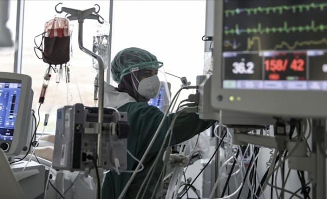 Dünya genelinde tedavisi süren Kovid-19 hastası sayısı 22 milyonu aştı