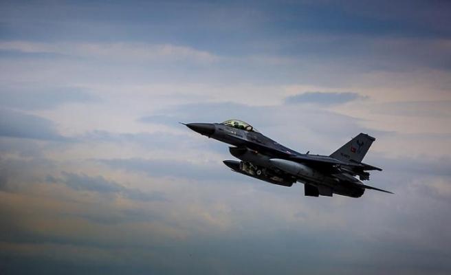 MSB: Ege Denizi'nin kuzeyinde 8 uçak ile eğitim uçuşu yapıldı