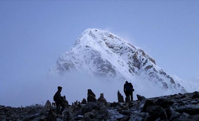 Everest Dağı'nın daha uzun olduğu belirlendi