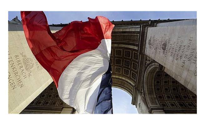 Fransa'da bütçe açığı tahmini vergi gelirleri ve Kovid-19 nedeniyle revize edildi