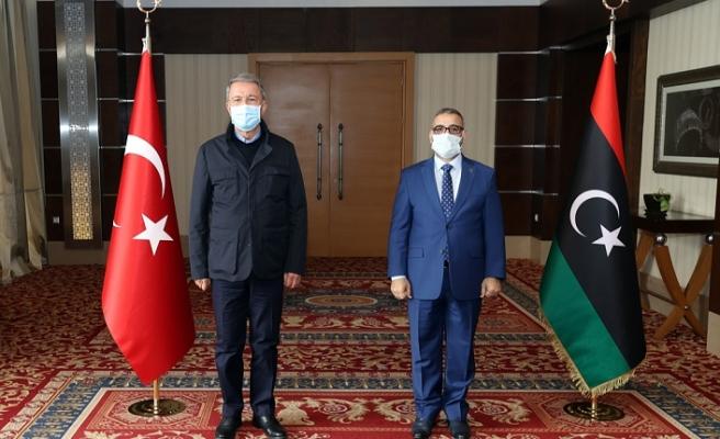 Milli Savunma Bakanı Hulusi Akar'dan Libya'da temaslar