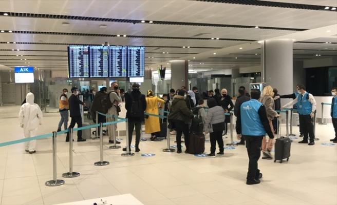 İngiltere'den İstanbul'a gelen yolcular mutasyon riski nedeniyle karantinada kalacak