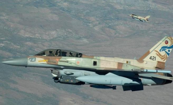 İsrail'in Lübnan hava sahasını ihlal ediyor